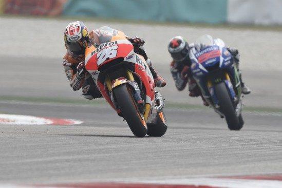 Pedrosa domine en Malaisie, Marquez tombe après un accrochage controversé avec Rossi
